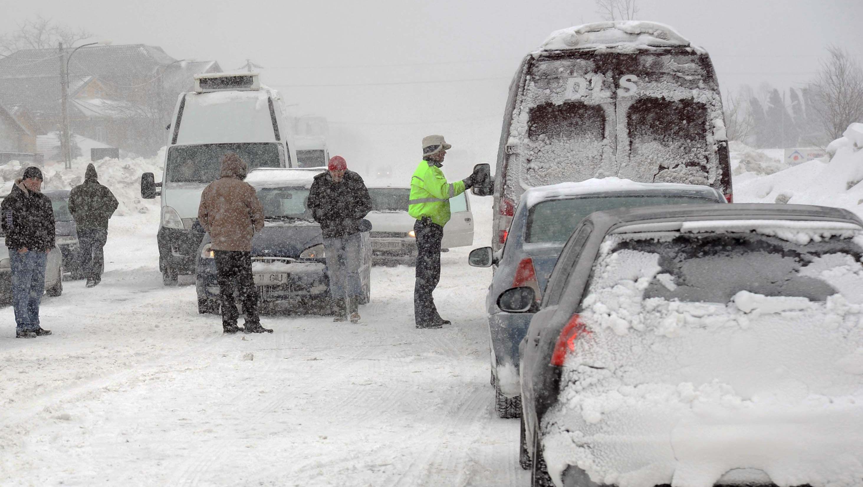 ALERTĂ METEO! Intensificări ale vântului şi precipitaţii sub formă de ninsoare, în Teleorman