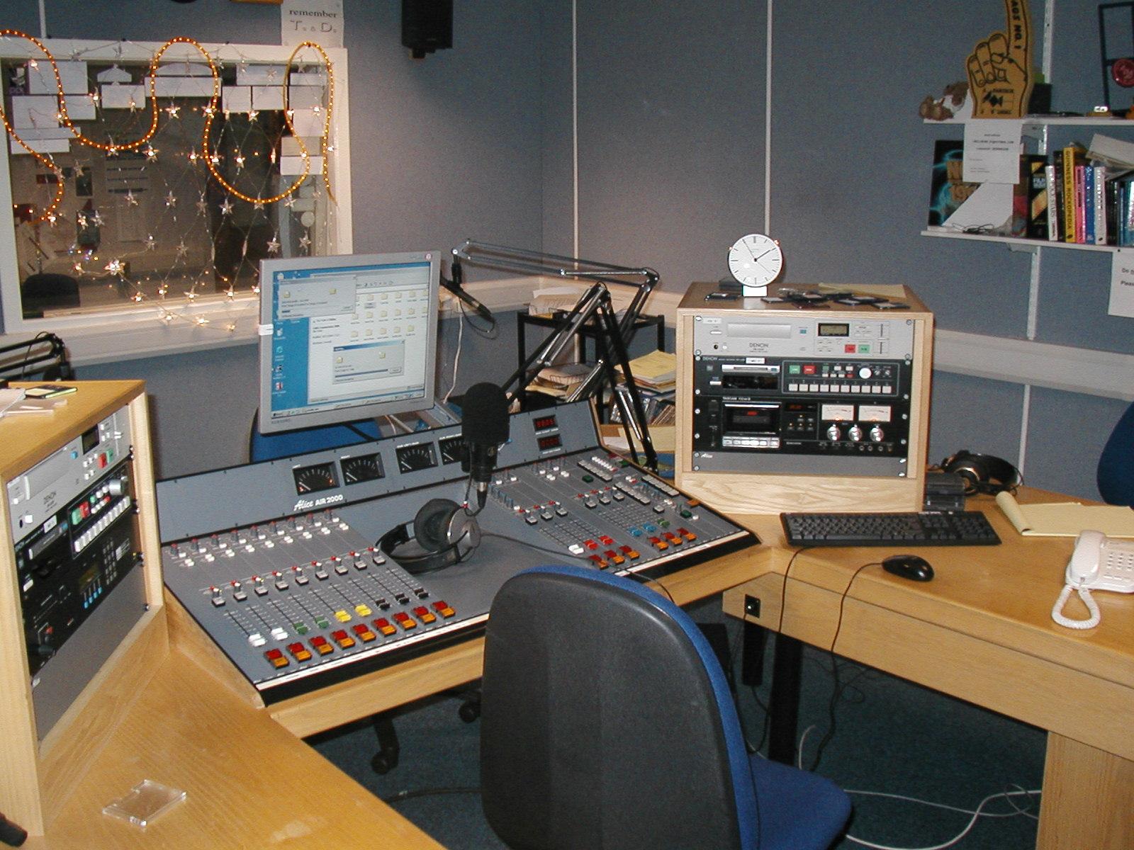 Radio Impact, la loc comanda!