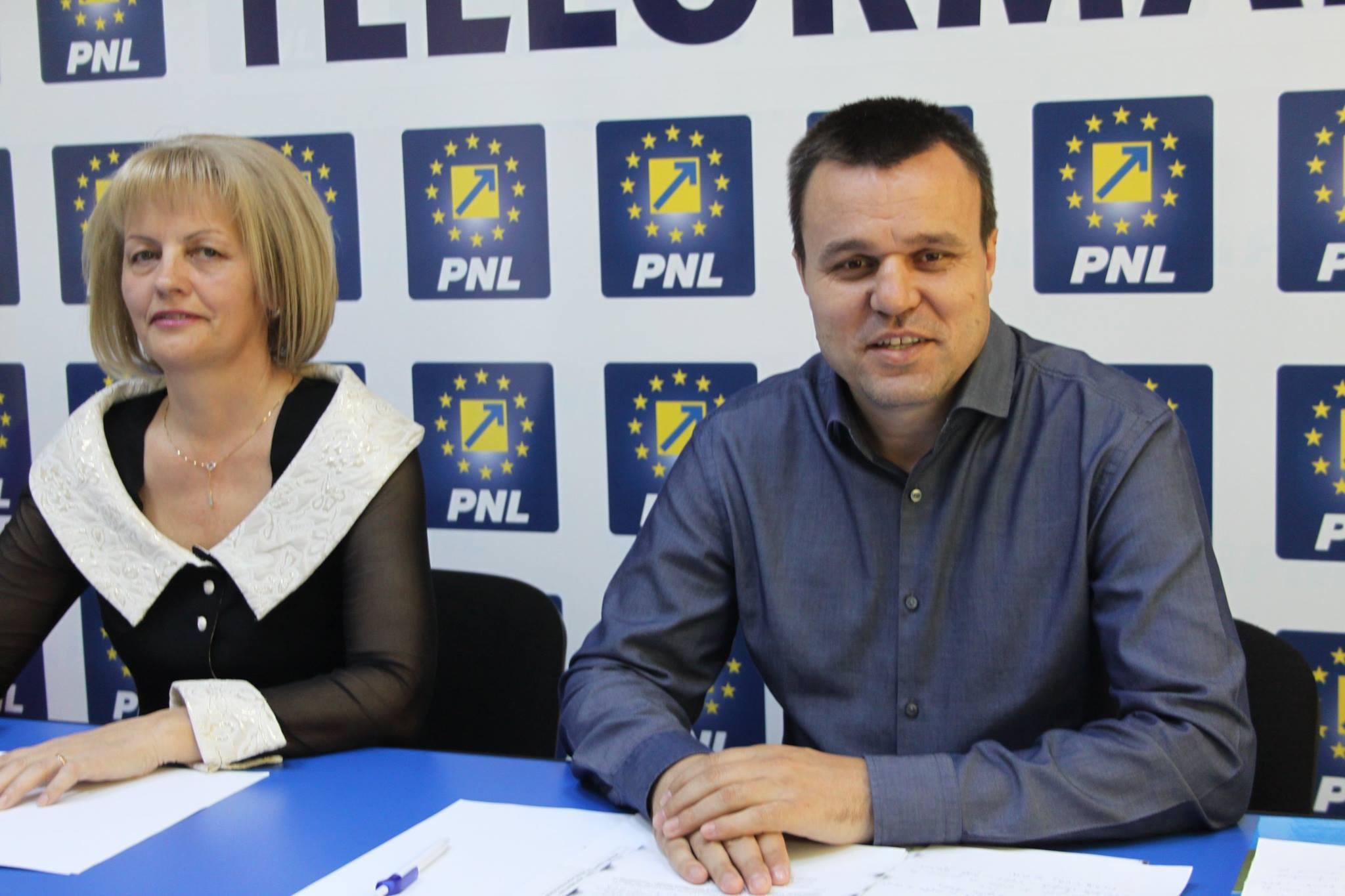 """Conferință de presă PNL: Eugen Pîrvulescu: """"Ne dorim să scăpăm de PSD"""""""