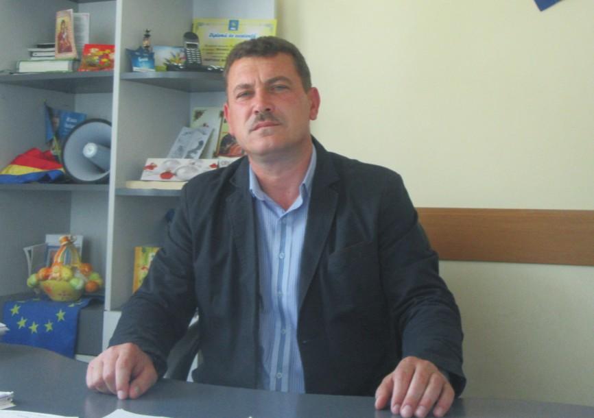 """Primarul Ionel Neagu își invită consătenii la PETRECERE. Sâmbătă, 12 mai, """"Ziua comunei Troianul"""""""