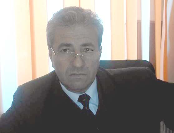 Prins băut la volan şi condamnat la 10 luni de puşcărie, Dragomir Ion, şeful asistenţilor medicali din Ambulanţa Teleorman, refuză să plece din funcţie