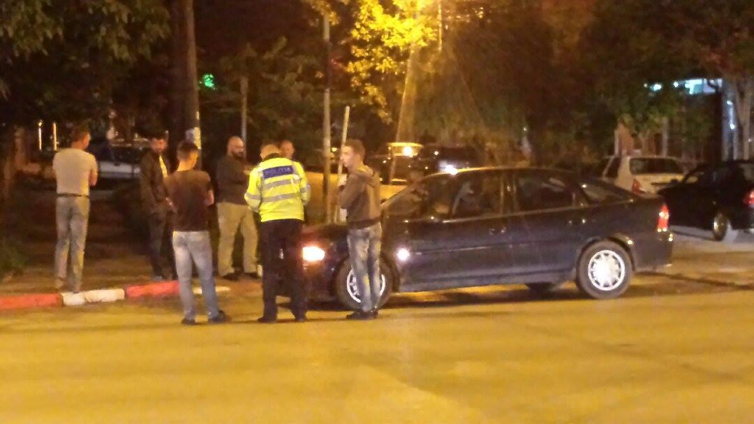 Tânără accidentată din cauza unui şofer care nu s-a asigurat la schimbarea direcţiei de mers