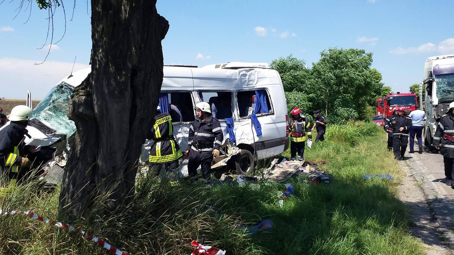 Tragedie pe şoselele din Teleorman. 11 victime, dintre care 4 în comă, în urma unui accident de circulaţie (FOTO)