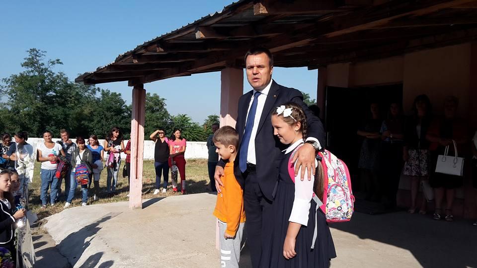 Senatorul Eugen Pîrvulescu a participat la deschiderea anului şcolar, în comuna Bragadiru