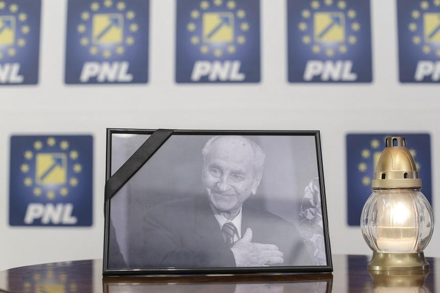 Liberalii din Teleorman deplâng moartea preşedintelui de onoare, Mircea Ionescu Quintus