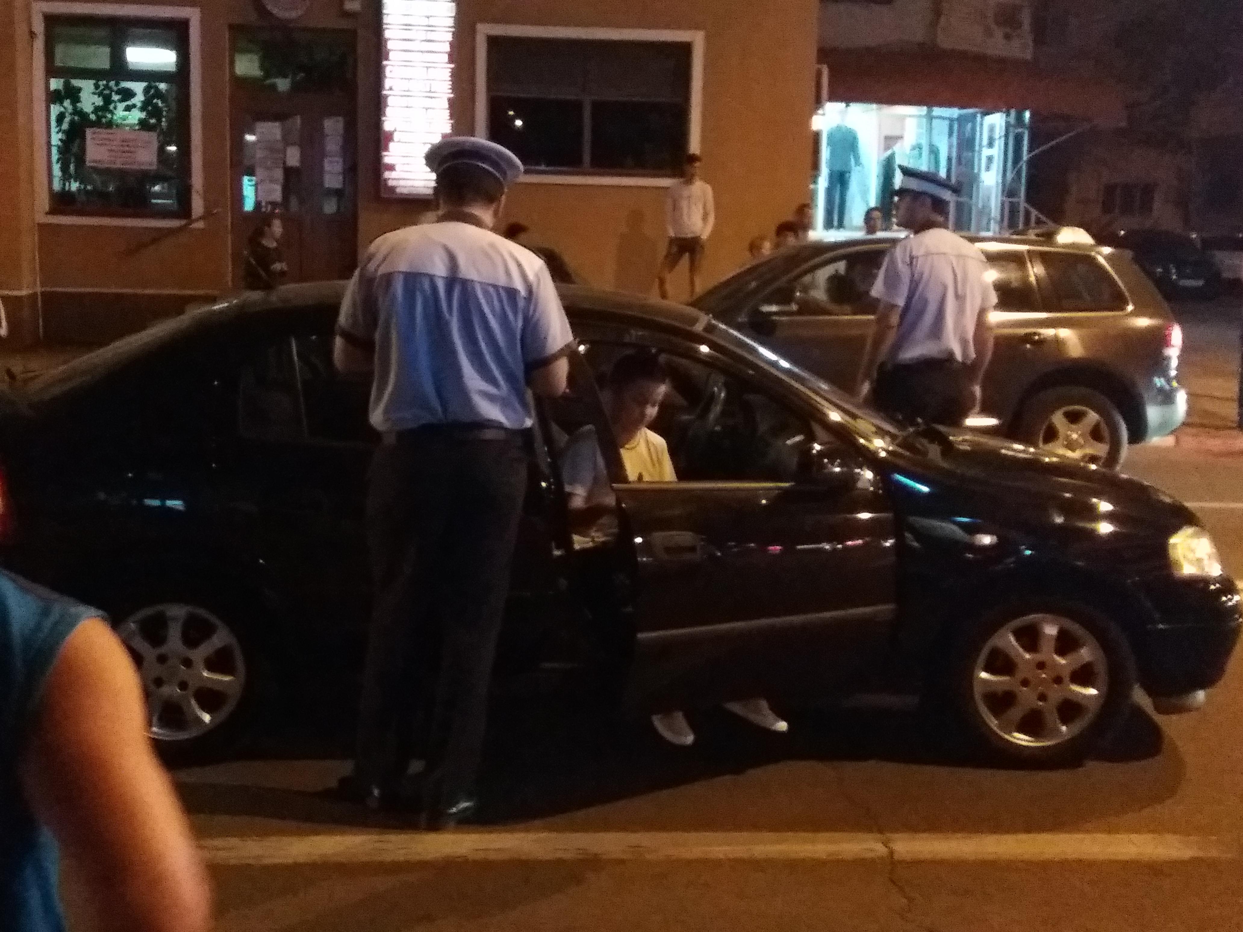 Copil accidentat pe trecerea de pietoni. Şoferiţa a vrut să plece, dar a fost oprită de către un jandarm
