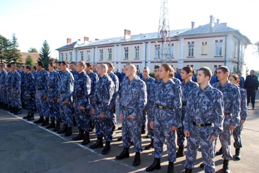 """11 tineri din Teleorman au fost ADMIŞI la Şcoala de Jandarmi  """"Grigore Alexandru Ghica"""", din Drăgăşani"""
