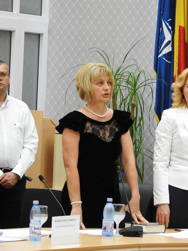 Consilierul Maria Stoian reclamă deficienţe în actul medical, la Spitalul din Alexandria. Preşedintele Cristescu recunoaşte…