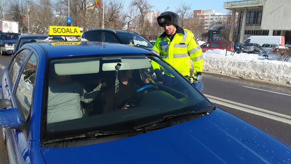 Zeci de șoferițe, trase pe dreapta. Polițiștii de la rutieră nu au iertat pe nimeni!