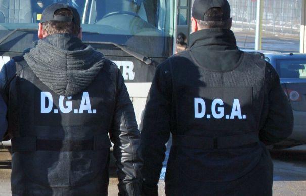 Un polițist din Alexandria a refuzat o mită de 400 de lei. Două persoane, sub control judiciar