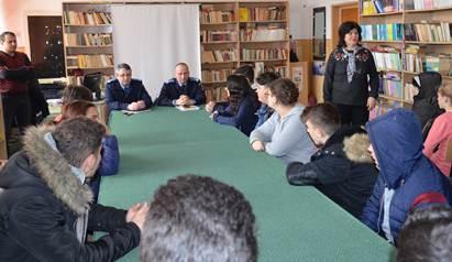 Jandarmii teleormăneni, întâlnire preventiv-educativă cu elevi ai Şcolii gimnaziale nr. 6 Alexandria