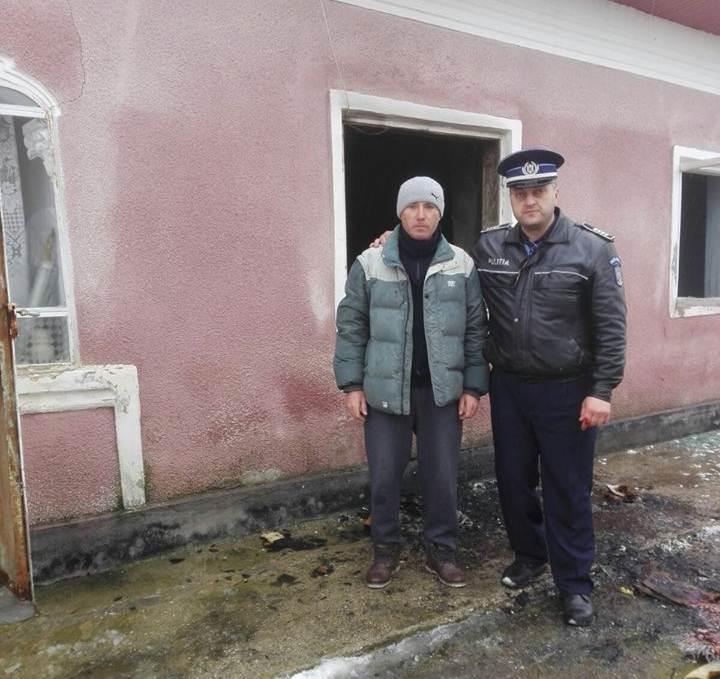 Un polițist și un cetățean din Nenciulești au salvat de la moarte o bătrână intoxicată cu fum