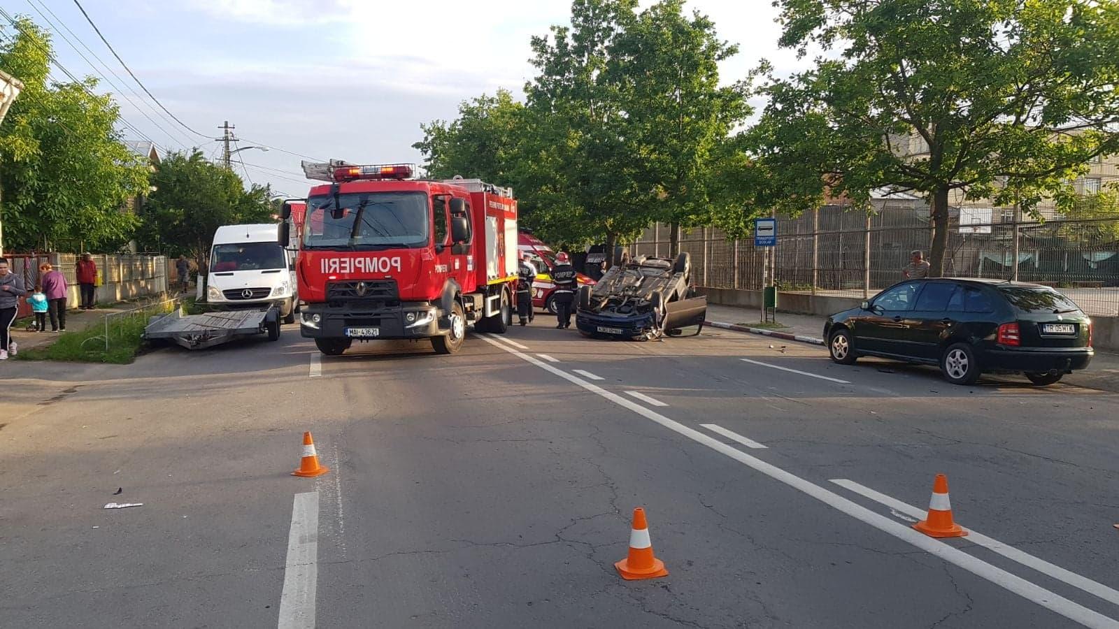 Accident în Roșiorii de Vede! Două tinere de 18 ani, din Alexandria, au ajuns la Spital cu politraumatisme ușoare