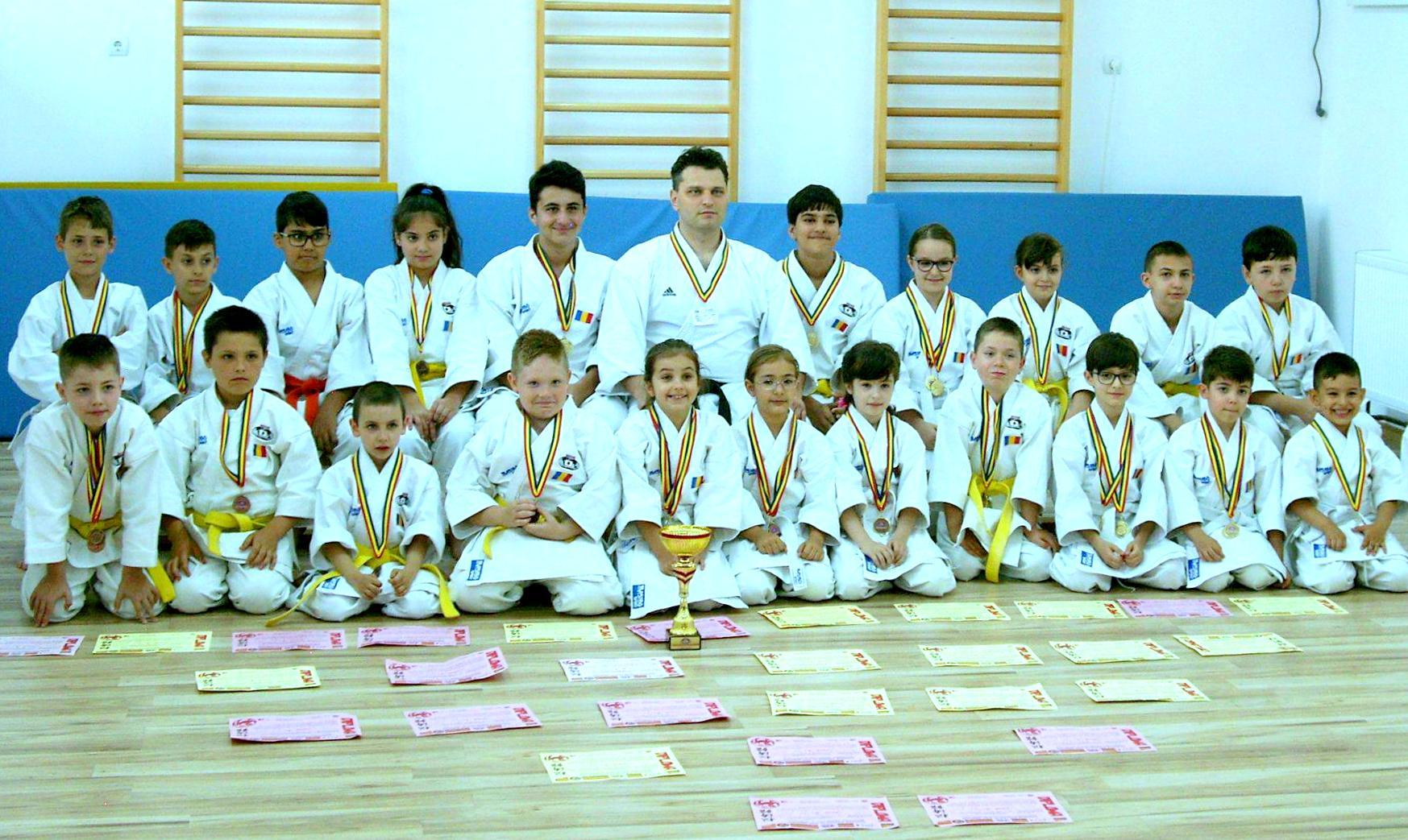 29 de medalii obținute de A.C.S. Seishindokan la Cupa României la Karate SKDUN, dintre care 14 de aur