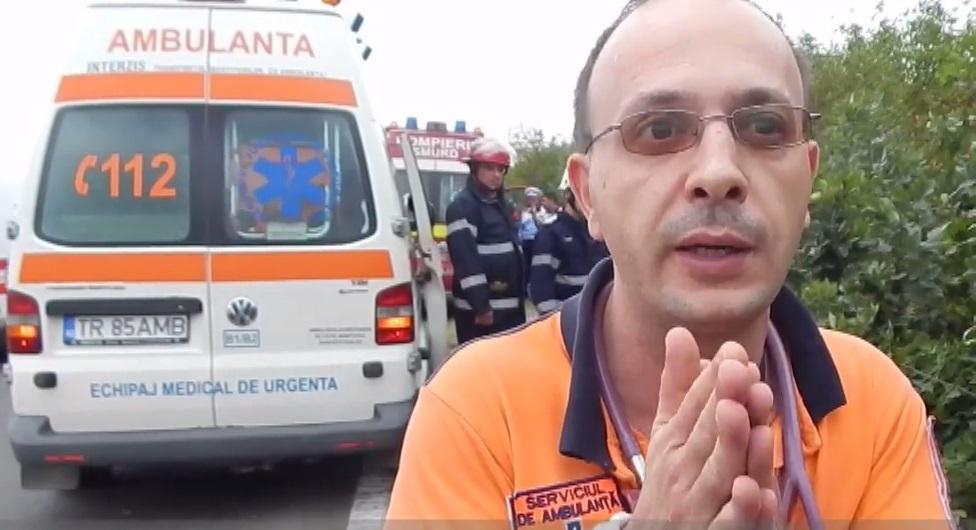 Medic din Roșiori, prins băut la volan. Gabriel Caravețeanu a distrus tot ce i-a ieșit în cale: o țeavă de gaze și câteva plăci de ciment