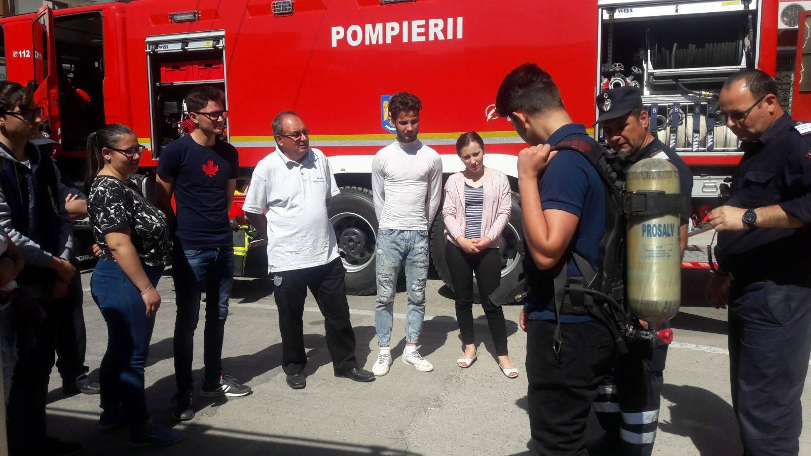 """ISU Teleorman: 10 persoane s-au înscris în programul de voluntariat """"Salvator din Pasiune"""""""