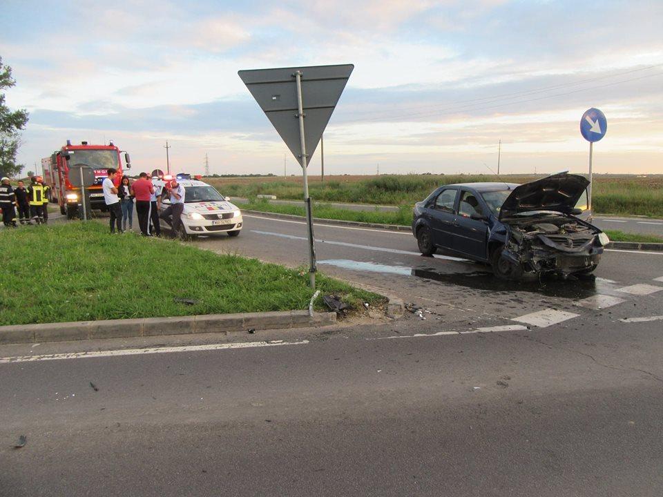 Accident pe Centura Alexandriei. Șoferul vinovat avea alte preocupări în timpul condusului