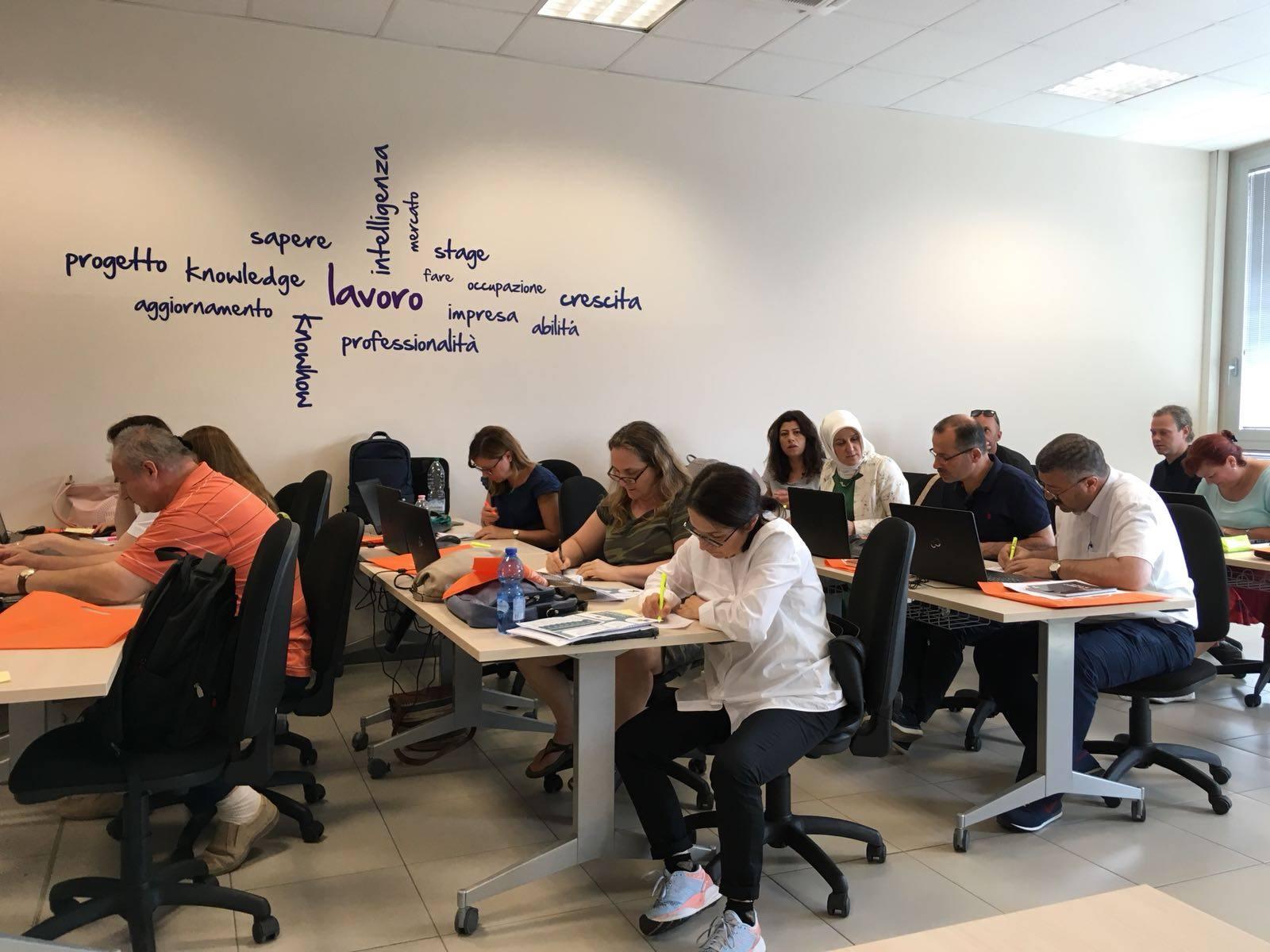 "Colegiul Național Pedagogic ""Mircea Scarlat"", Alexandria, ""PEACE WITH ICT"", proiect finanțat prin programul Erasmus+"