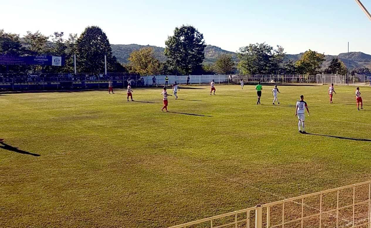 FC Pucioasa – Sporting Roşiori 4-2 (1-0)… Şi situaţia la Sporting se complică!