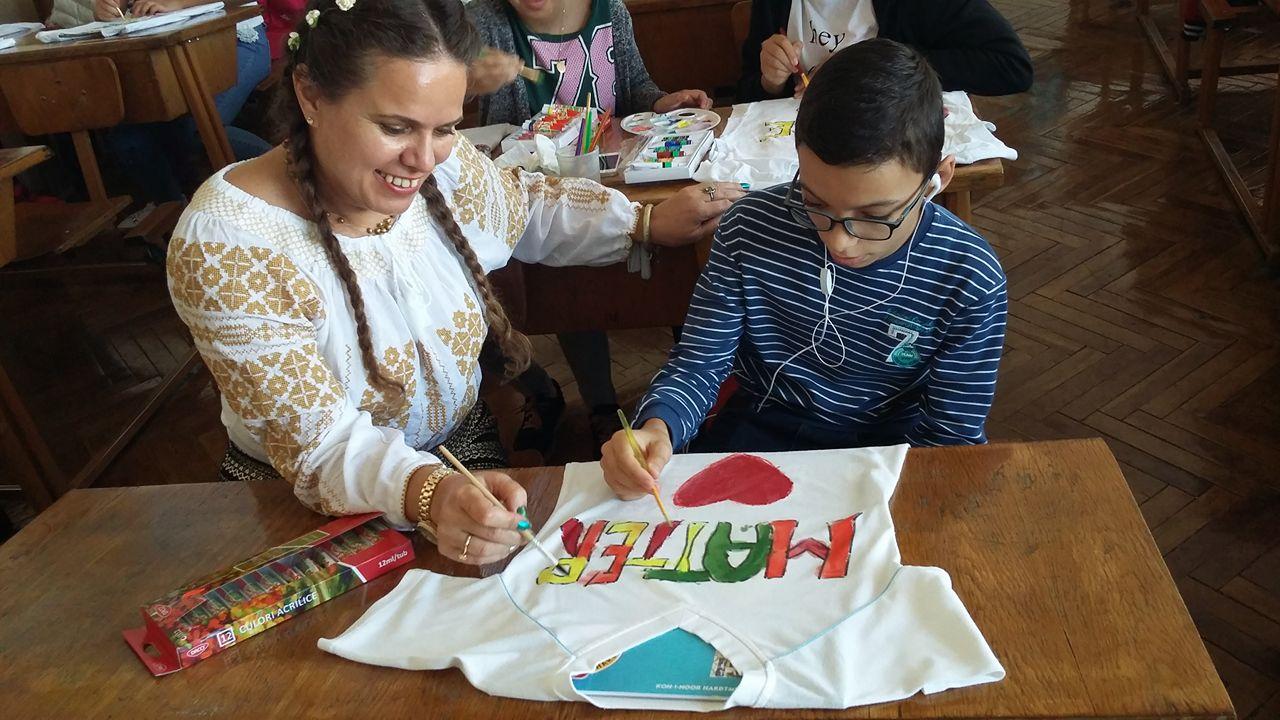 """Ziua mondială a educaţiei, sărbătorită la Şcoala Gimnazială """"Mihai Viteazul"""""""