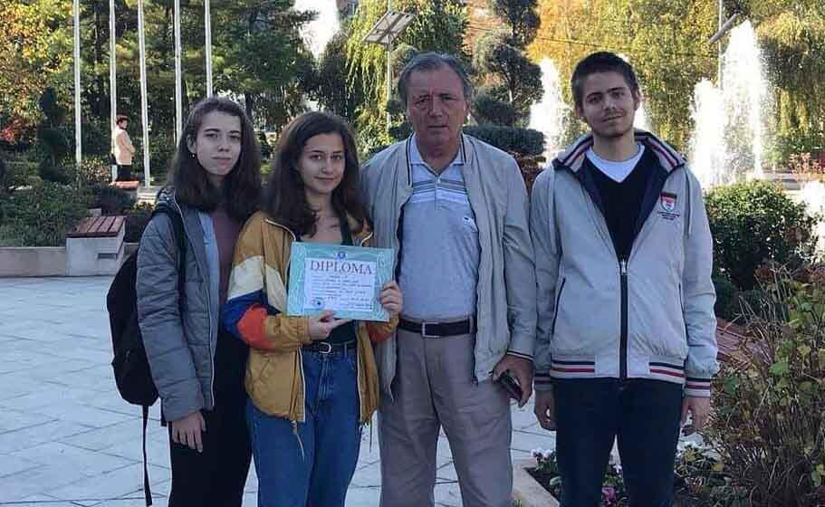"""Teleormanul are viitor! Diana Ciocoiu, elevă la Colegiul """"Cuza"""", locul II pe ţară, la Concursul Naţional de Fizică"""
