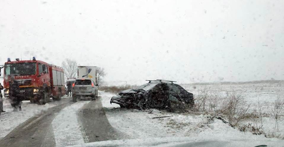Accident grav în comuna Furculești! Șase persoane, printre care și un bebeluș, au fost aduse la Spital