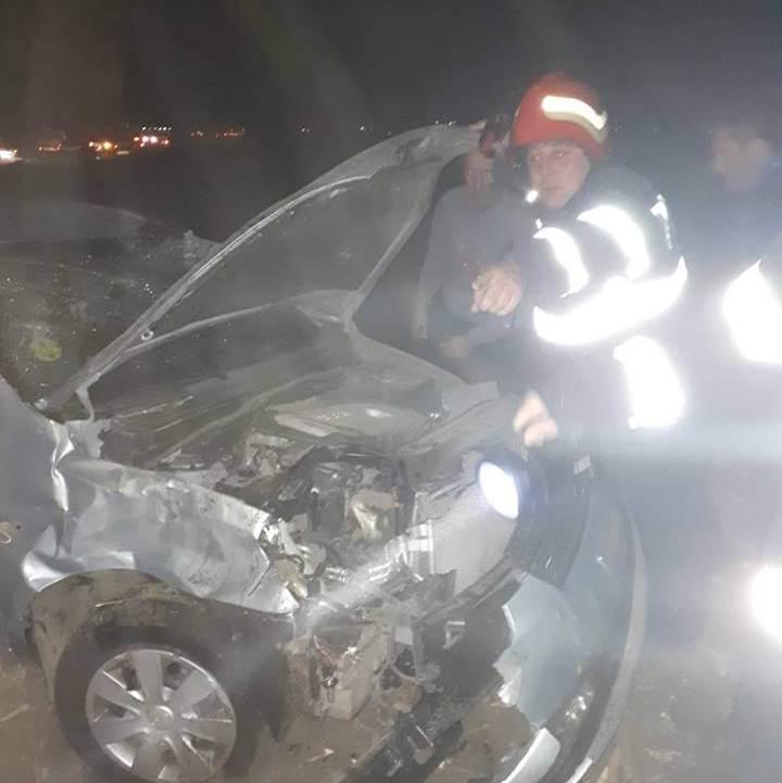 Accident pe E70, în Drăgănești Vlașca. Un autoturism s-a răsturnat pe un câmp din apropiere