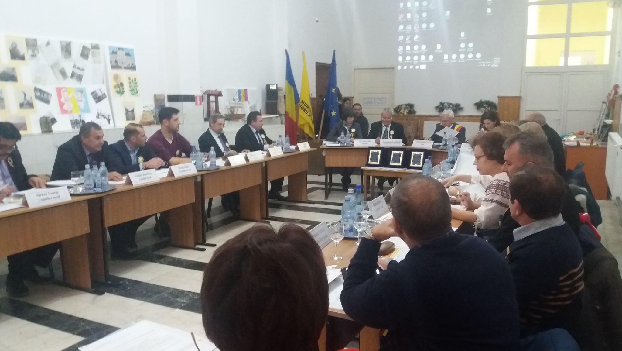 """Radu Marin, fost consilier local şi """"patron"""" al fabricii de pâine din Roşiori, declarat incompatibil. Politicianul a semnat contracte cu primăria în valoare de 7 miliarde de lei vechi"""