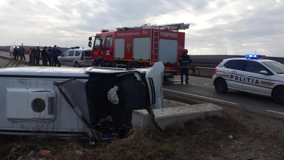 Accident mortal la Peretu. Șoferița de 47 de ani a decedat după ce mașina în care se afla a intrat într-un TIR