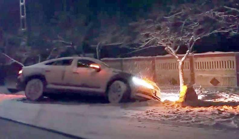 """Frăția polițiștilor! """"Obosit"""" și cu mașina-n șant, un om al legii din Alexandria a fost scăpat printre degete de colegii săi!"""