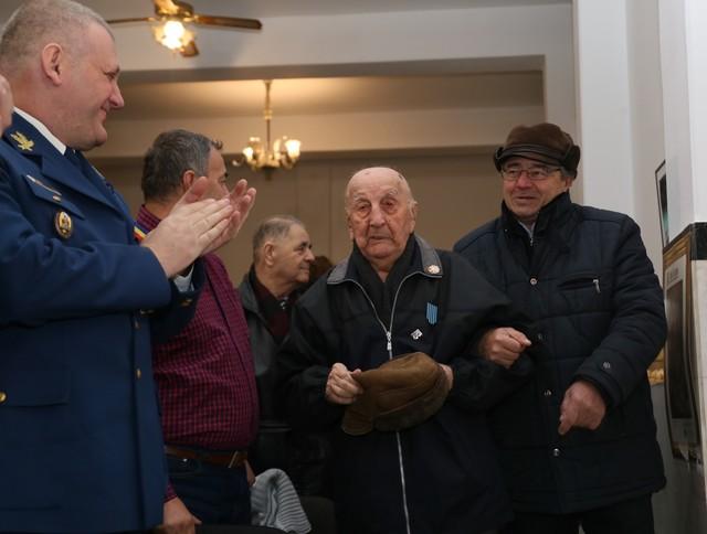 Roșioreanului Ioan Dulă, veteran de război, i-a fost conferită Emblema de Onoare a Armatei României