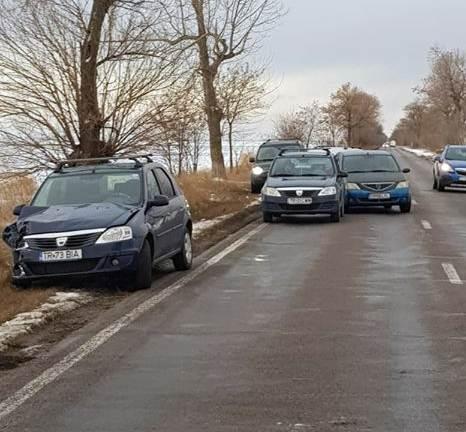 Coliziune între patru autoturisme pe șoseaua Alexandria- Furculești. Șoferul vinovat este angajat al MAI