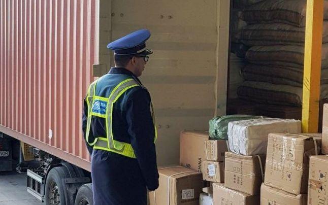 Administratorii unei firme din Turnu Măgurele, cercetaţi penal pentru afaceri cu lese contrafăcute