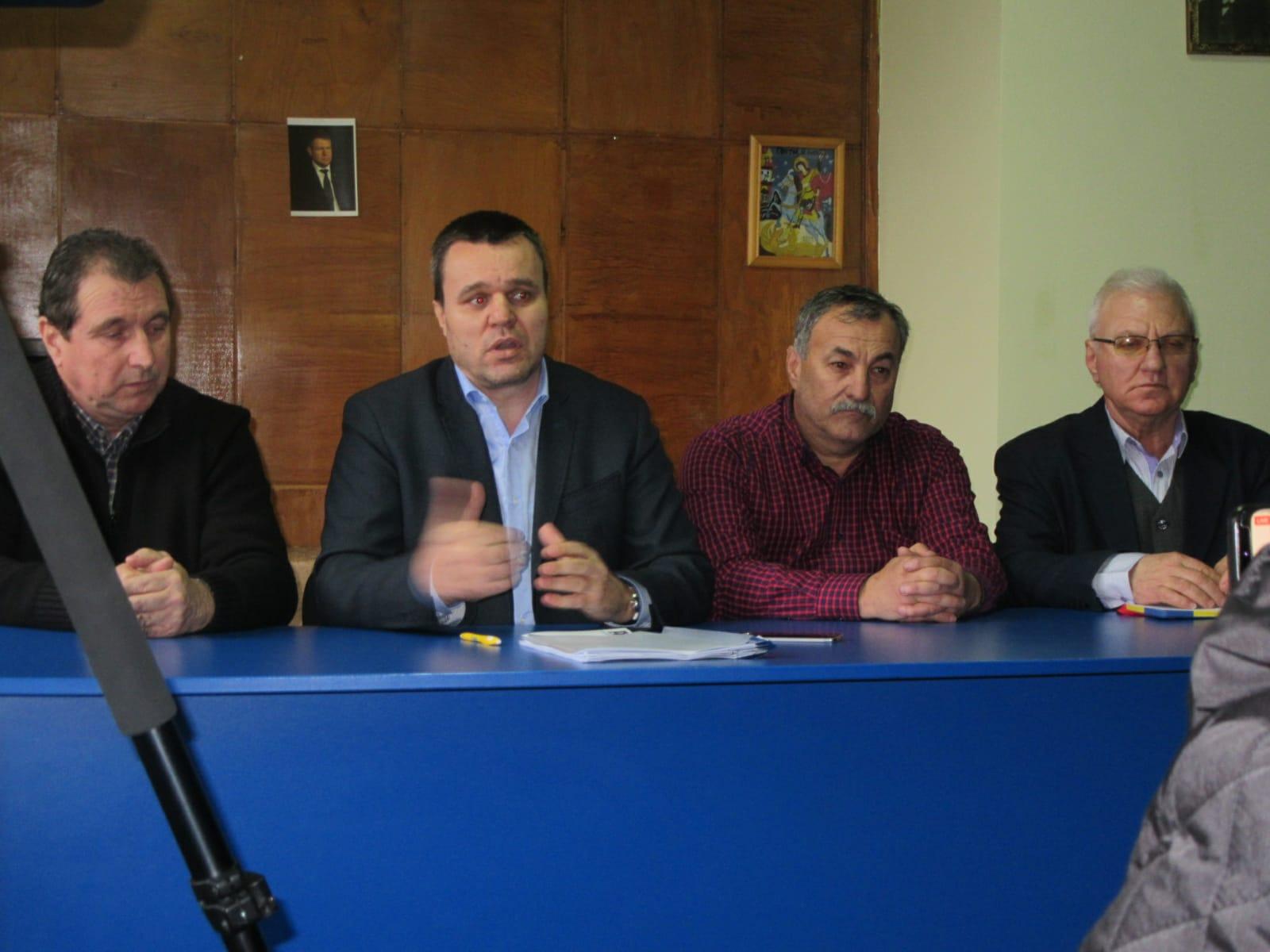 """Senator Eugen Pîrvulescu, la deschiderea noului cabinet parlamentar din Roșiori: """"Primarul Cârciumaru este ZERO din punct de vedere al administrației"""""""