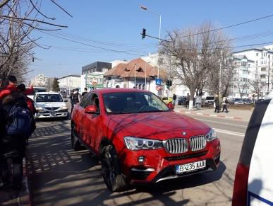 Carambol între trei autoturisme, la intersecția străzilor Dunării și Ion Creangă din Alexandria