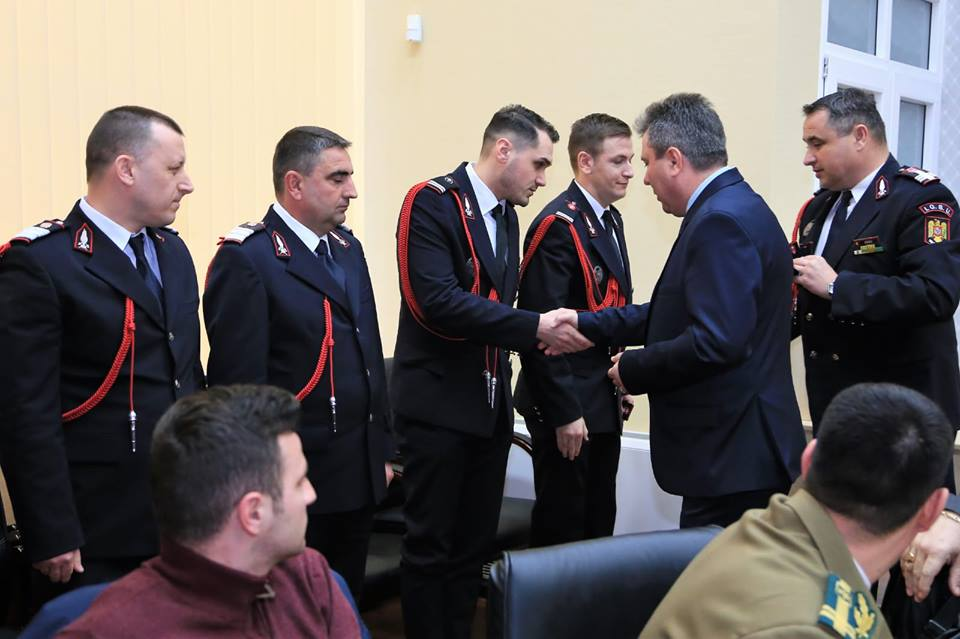 Avansări în grad, la ISU Teleorman. Șapte militari, recompensați pentru rezultatele obținute în îndeplinirea atribuțiilor de serviciu