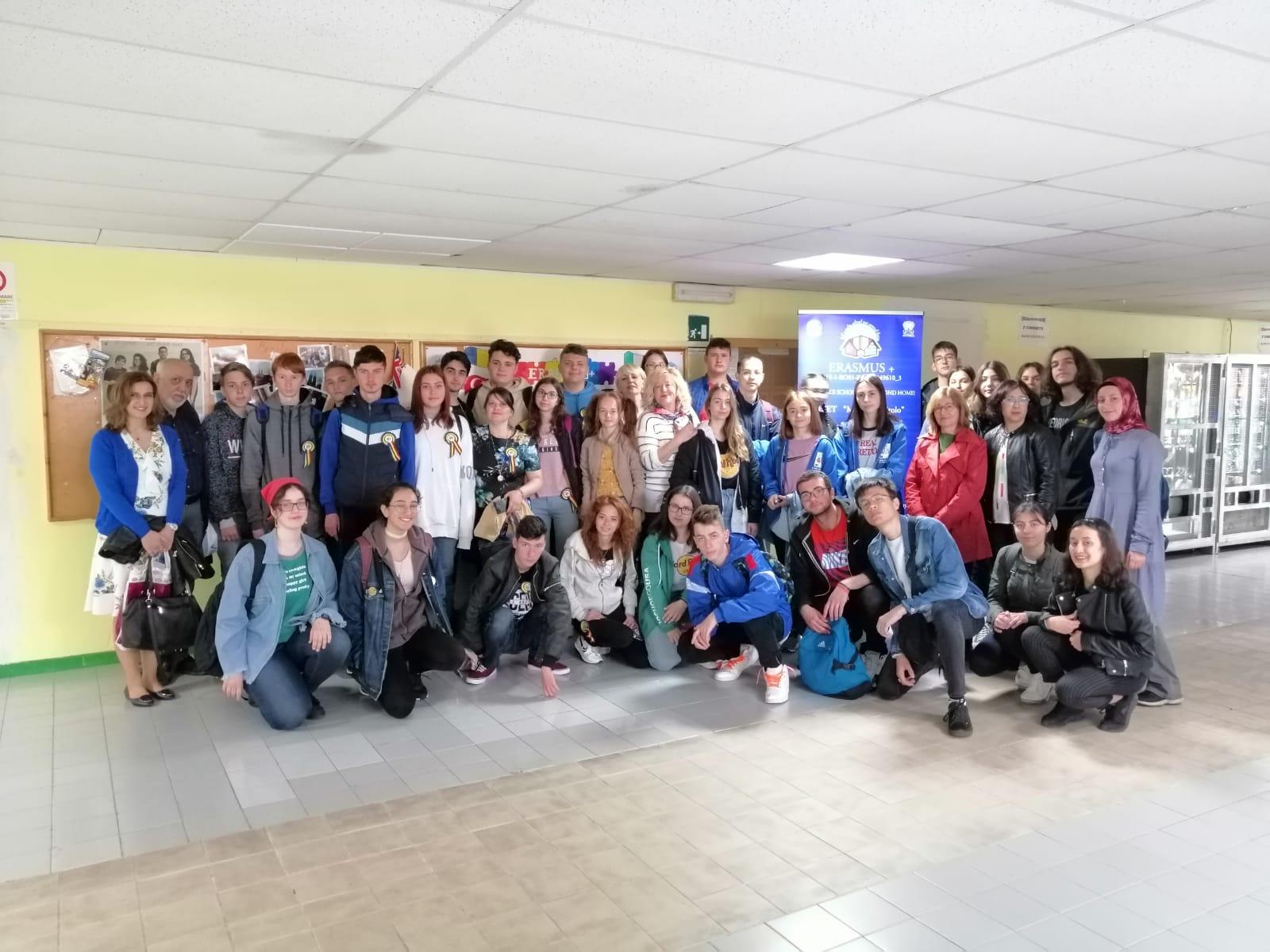 """Liceului Teoretic """"Constantin Noica"""" – O nouă activitate de învățare în cadrul proiectului """"Let's Make School Our Second Home!"""""""