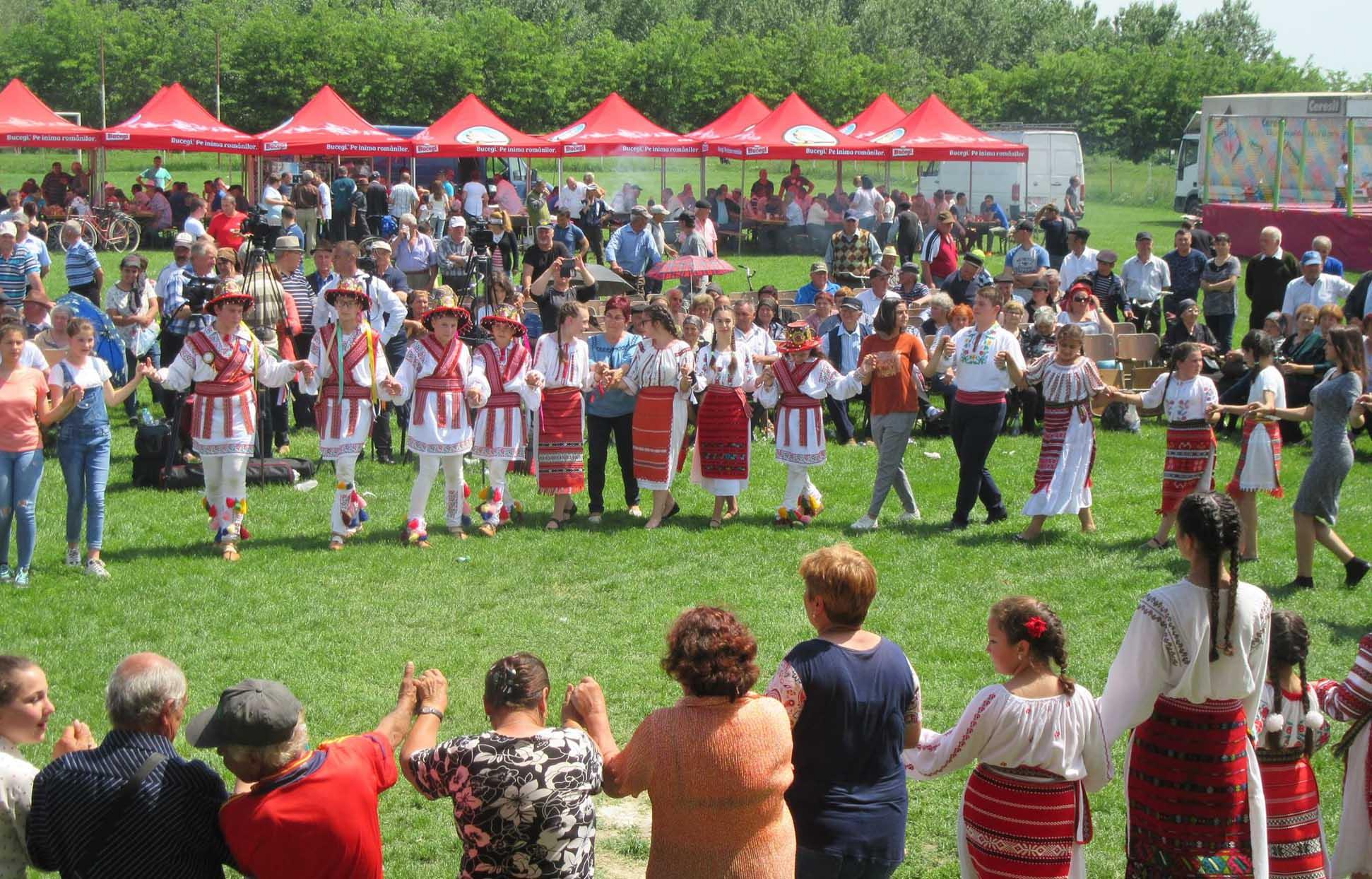Jean de la Craiova, SHOW de zile mari, de Ziua comunei Bragadiru. Pe stadionul din comună, nu a fost loc să arunci un ac – FOTO
