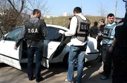 Polițiști din Teleorman, condamnați pentru luare de mită. Agenții au primit trei ani de închisoare și vor presta 100 de zile de muncă în folosul comunității