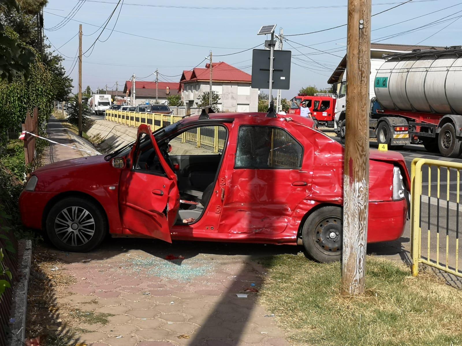 Accident pe E70, în comuna Peretu. O femeie de 70 de ani a ajuns la Spital. Şoferul vinovat era băut