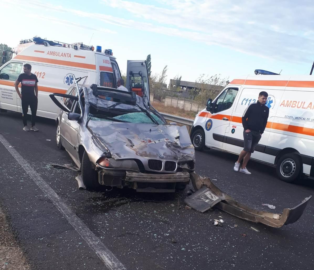 Accident mortal, pe E70, la Roşiorii de Vede. Un bărbat din Călmăţuiu a decedat pe loc. Alţi doi pasageri au fost răniţi