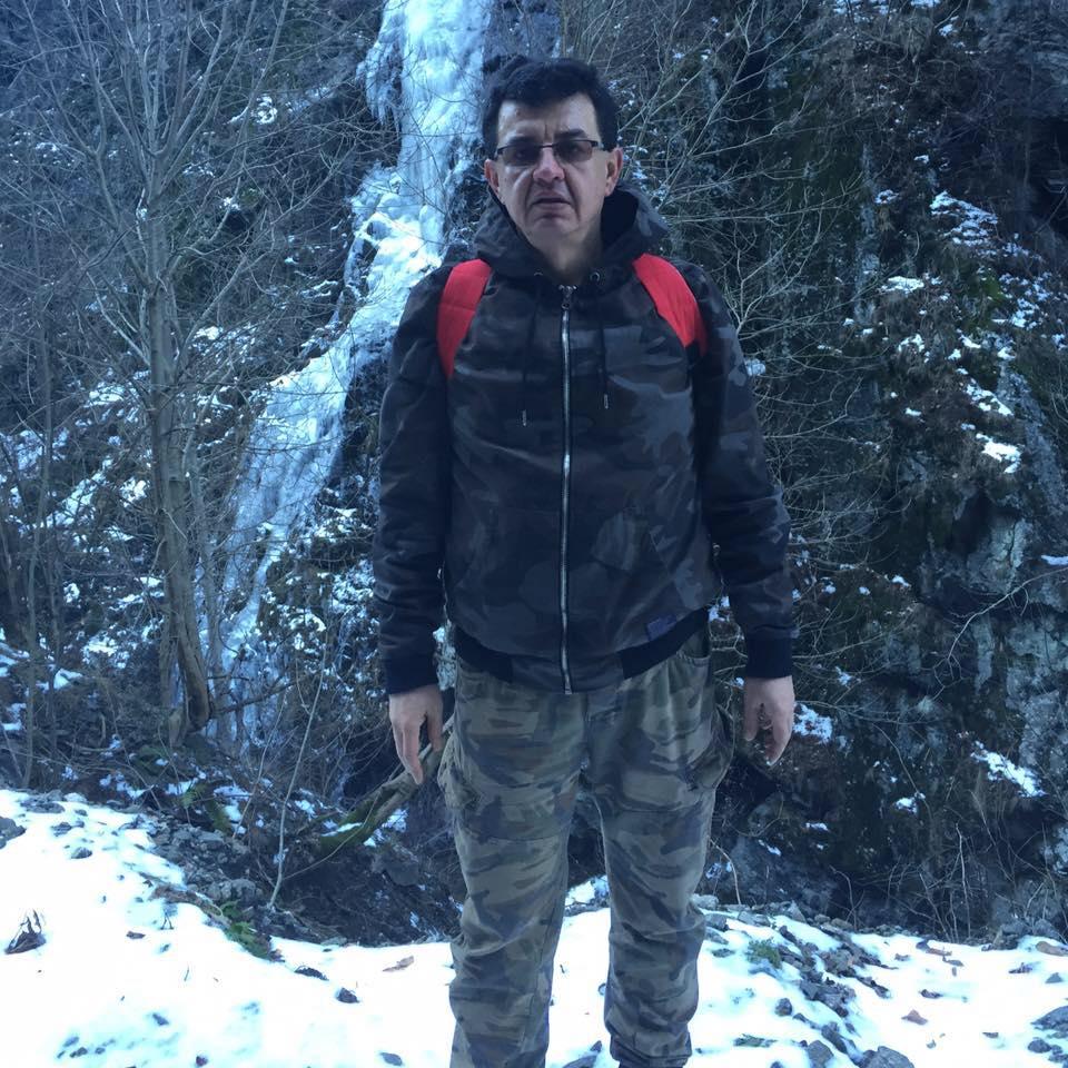 """Adrian Savu, şeful Ocolului Silvic Slăveşti, şi alte trei persoane, reţinuţi în afacerea cu """"deşeuri medicale periculoase"""""""