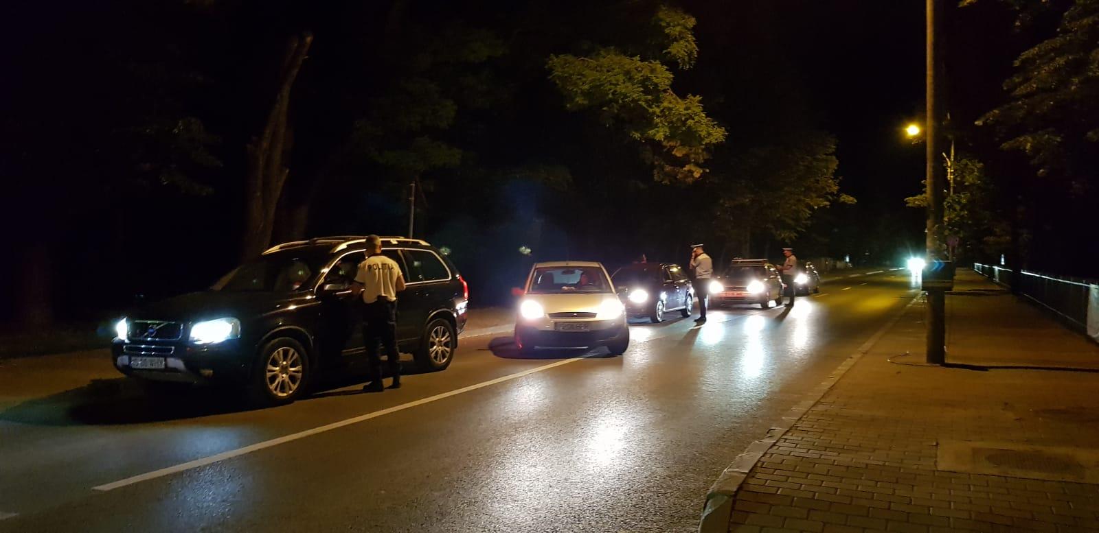 """Razie în Roşiorii de Vede! Un bărbat de 30 de ani, prins DROGAT la volan. Şoferul consumase """"cocaină"""""""