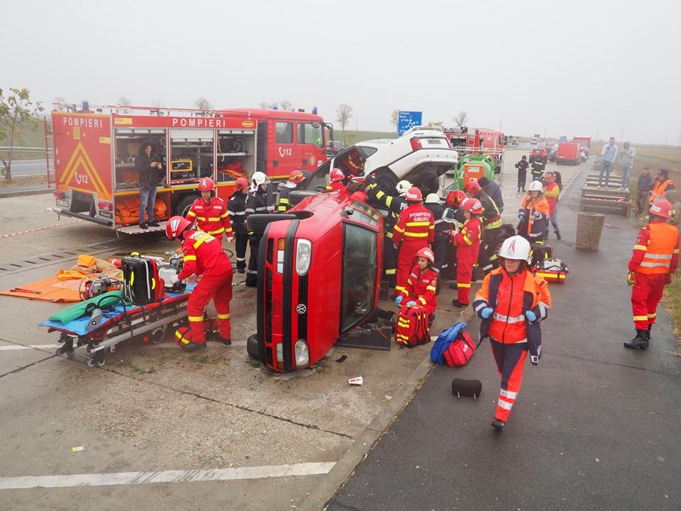 EXERCIŢIU! Accident rutier cu 15 victime, plan roșu pus în aplicare, misiuni dificile pentru salvatori