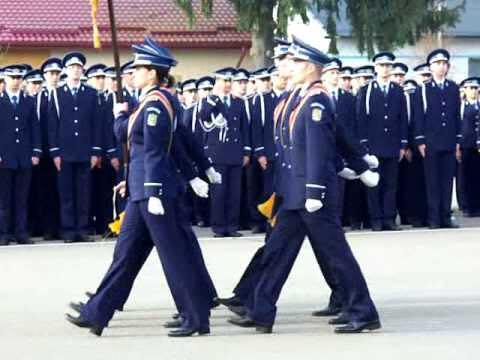 O nouă promoție de polițiști, în folosul comunității