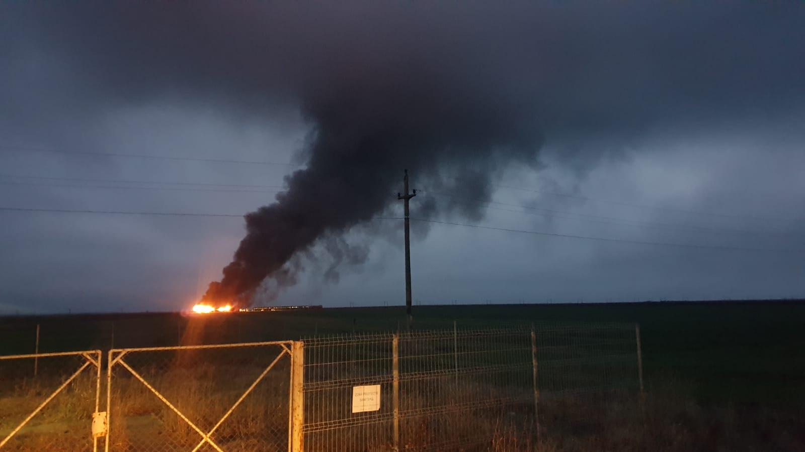 Tren în flăcări, la intrare în staţia Măldăeni. Peste 100 de pasageri se aflau în garnitura feroviară
