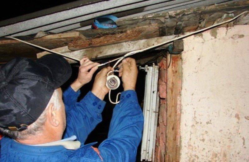 În Teleorman, 97 de cazuri în care există suspiciunea de furt de energie electrică