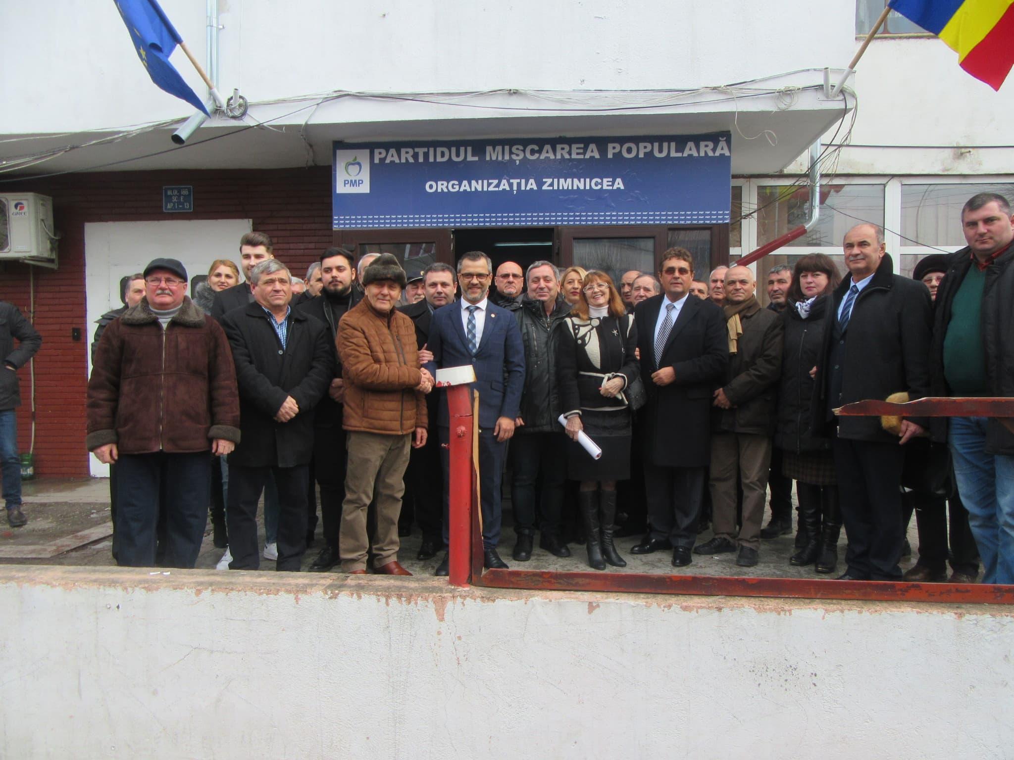 PMP Teleorman a dat lovitura. Teodor Niţulescu s-a înscris în partid. Zeci de cetăţeni au semnat adeziunea… la prima strigare!