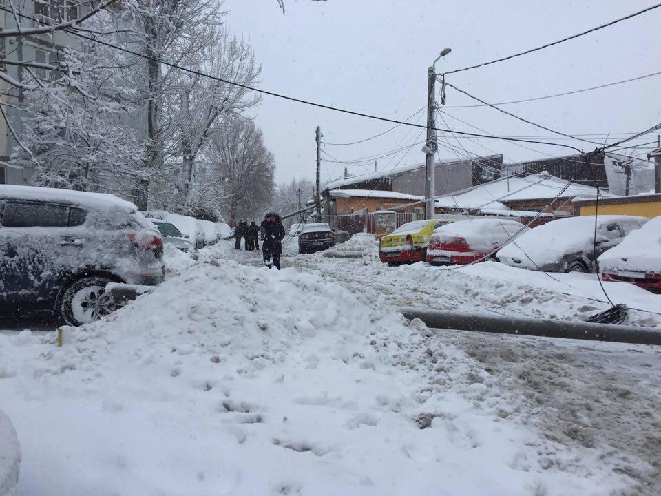Distribuţie Oltenia informează: echipele operatorului sunt în permanenţă în teren pentru remedierea incidentelor provocate de condiţiile meteo deosebite în judeţul Teleorman